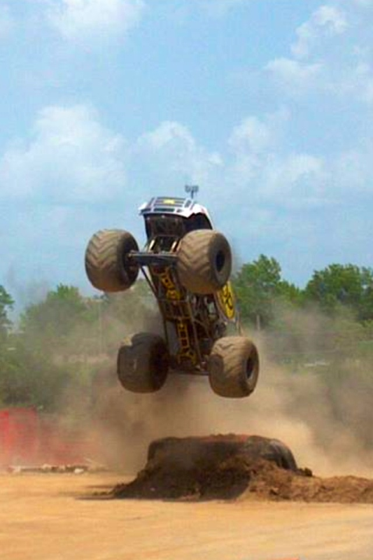 Monster Truck in Air