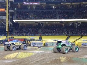 xdp_gravedigger-line-up-to-second-race-2